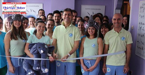 Dünya değişim akademisi bir merkezde Bakırköy'de açtı