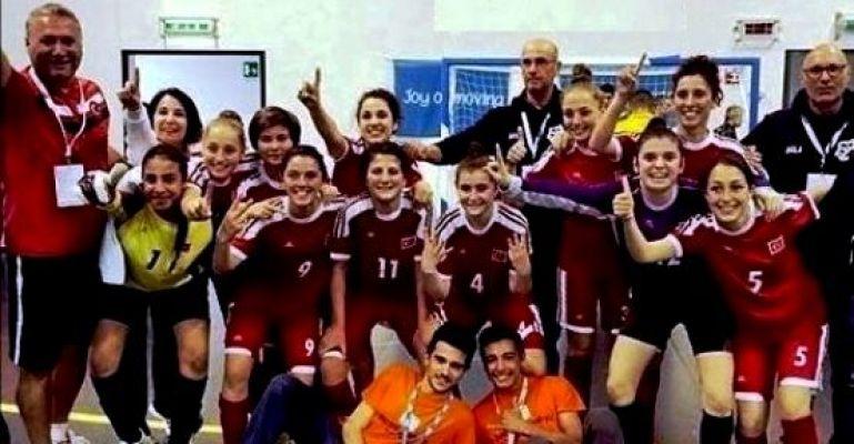 Ataşehirli Kızlarımız Dünya Şampiyonu , Helal Olsun!