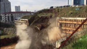 Ataşehir'de toprak kayması (İşte çökme anı)