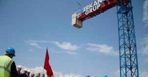 Erkan İnşaat Pırlanta Göztepe Projesi için bayrağı zirveye dikti